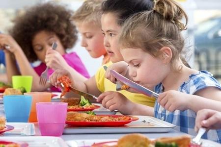 Children_eating_stock_photo