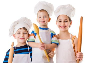 kids-learning-cooking-skills
